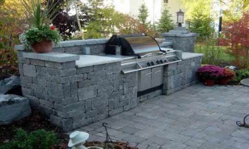 Custom BBQ in Brussels Dimesional Stone